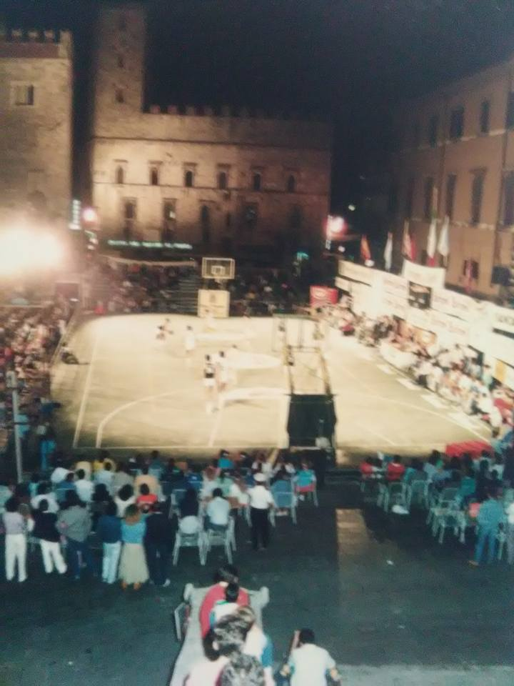 Torneo in piazza.